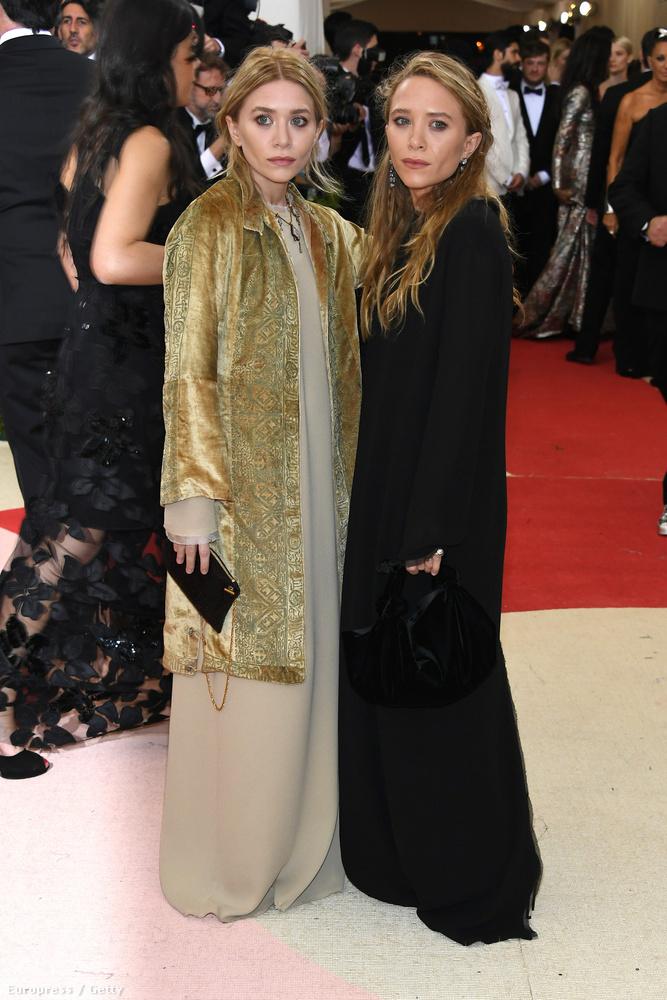Az Olsen-ikrek a saját nagyanyjuknak öltöztek