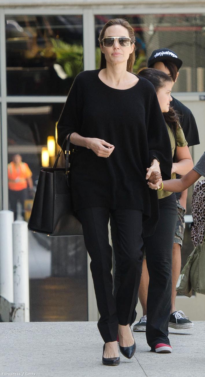 Angelina Jolie a vörösszőnyegen káprázatos, a hétköznapokban azonban szeret kényelmesen öltözni