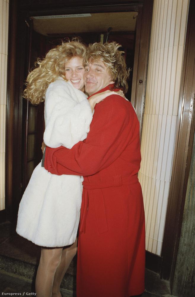 Rod Stewart 1990-ben vette feleségül Rachel Hunter modellt, 1999-ig voltak együtt.