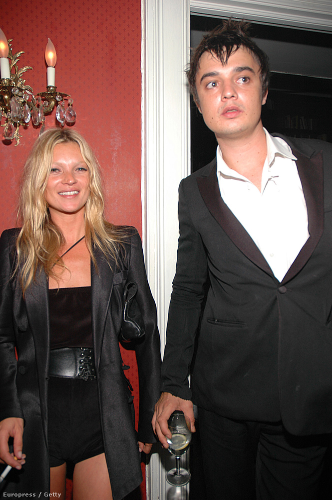 Kate Moss és Pete Doherty egészen sokszor és sokáig voltak együtt, kapcsolatuk leginkább zavarosnak volt mondható.