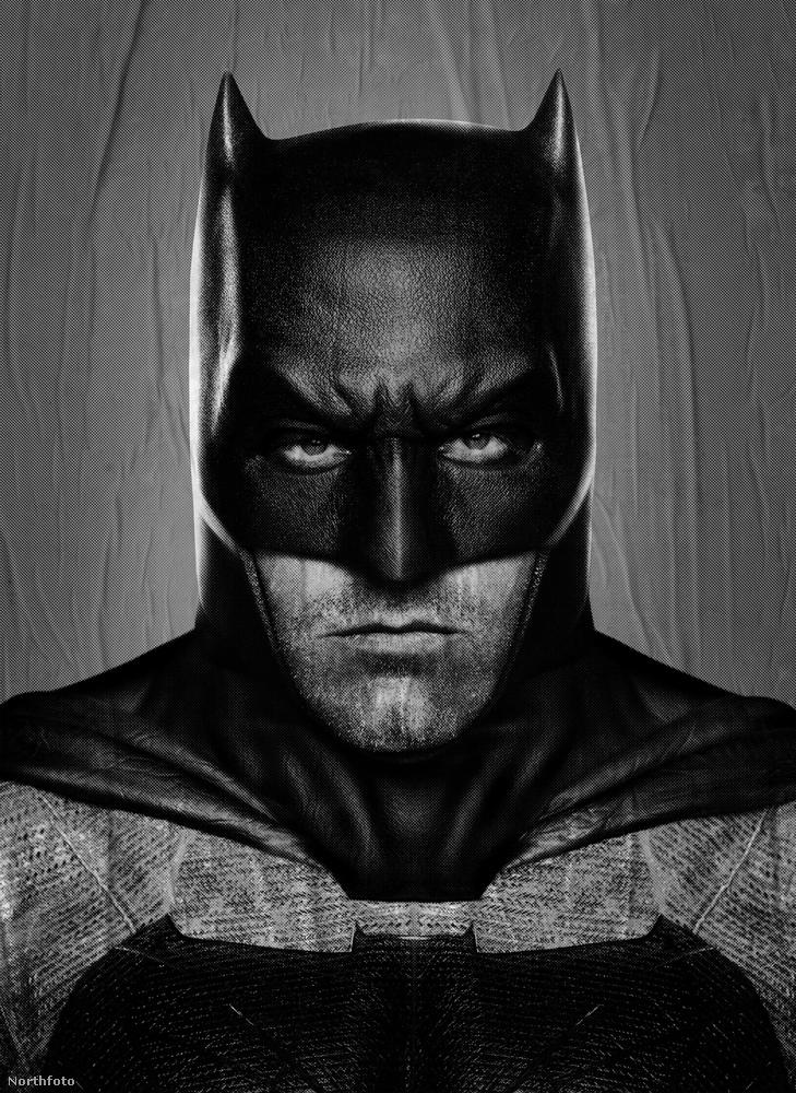 Az új Batmant alakító Ben Affleckről állítólag napokkal azelőtt derült ki, hogy megcsalta Jennifer Lopezt, hogy esküvőjük lett volna, nemrég pedig azt pletkálták, hogy a színész Jennifer Garnert a gyerekei dadusával csalta meg.
