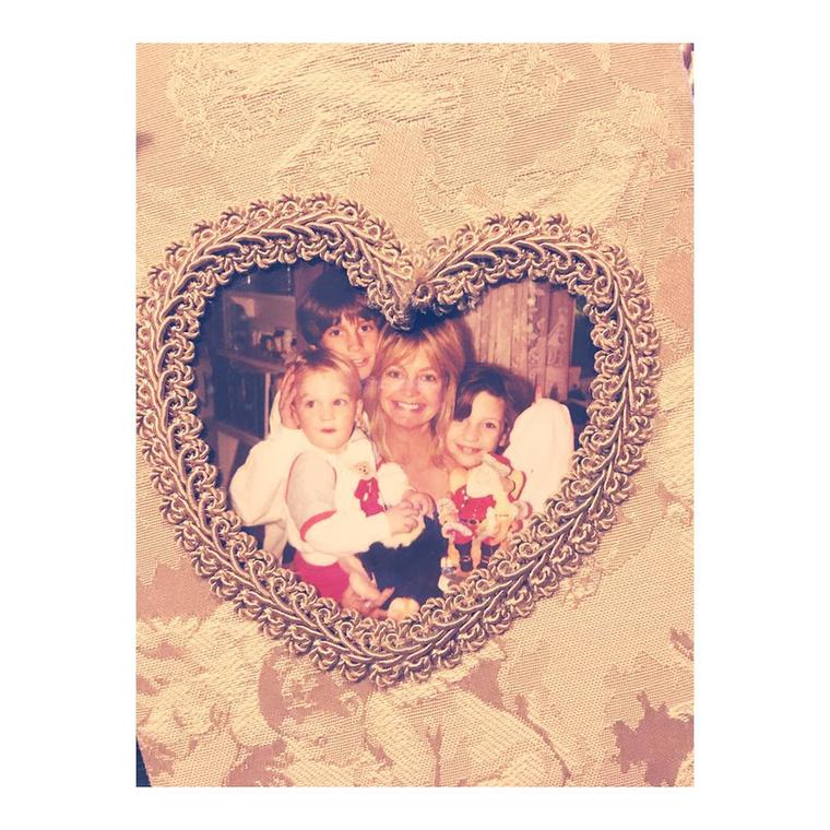 Kate Hudson is írt pár kedves sort az Instagramon arról, milyen hálás, hogy ilyen jó anyukája van.