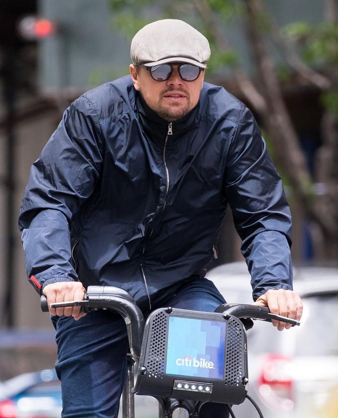 Leonardo DiCaprio New Yorkban a helyi Bubin biciklizett május 10-én
