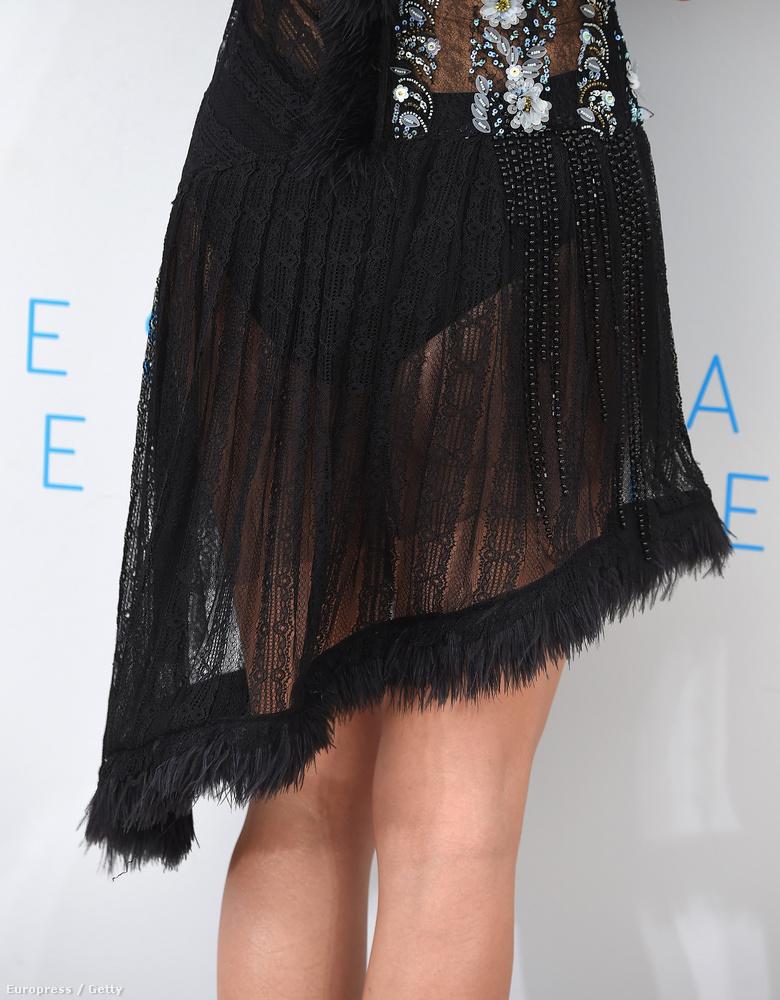 Natalie Portman ruházatát a mai napig próbáljuk értelmezni,