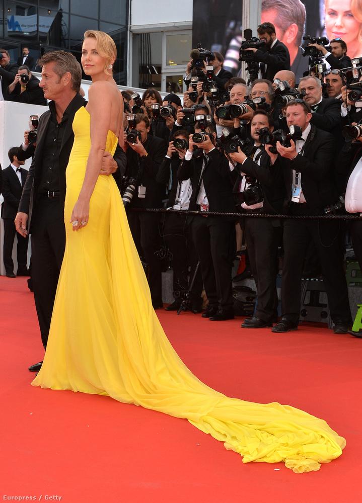 De Cannes természetesen azért is érdekes, mert szép ruhás hírességeket is lehet nézni