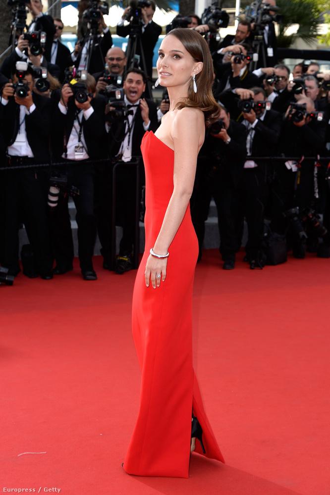 róla például az derült ki, hogy nagyjából olyan sovány, mint Angelina Jolie.