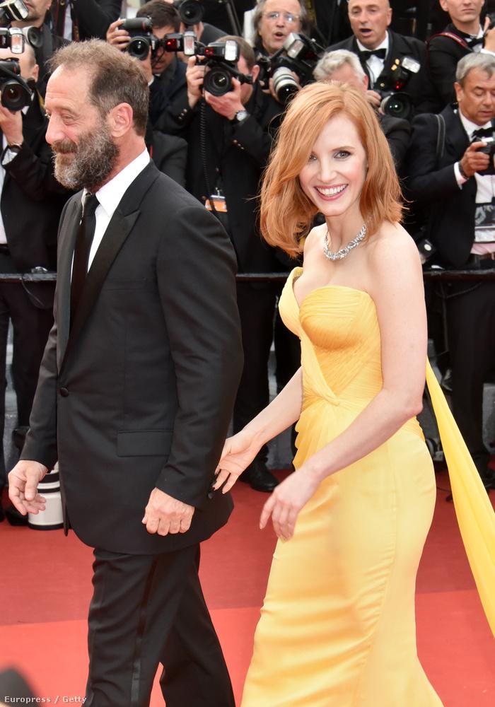 Jessica Chastain Vincent Lindon francia színésszel vonult a vörös szőnyegen