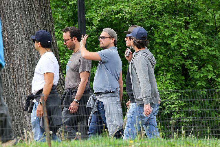 Szinte biztosak vagyunk abban, hogy DiCaprio éppen a fákról mesélt ilyen lelkesen