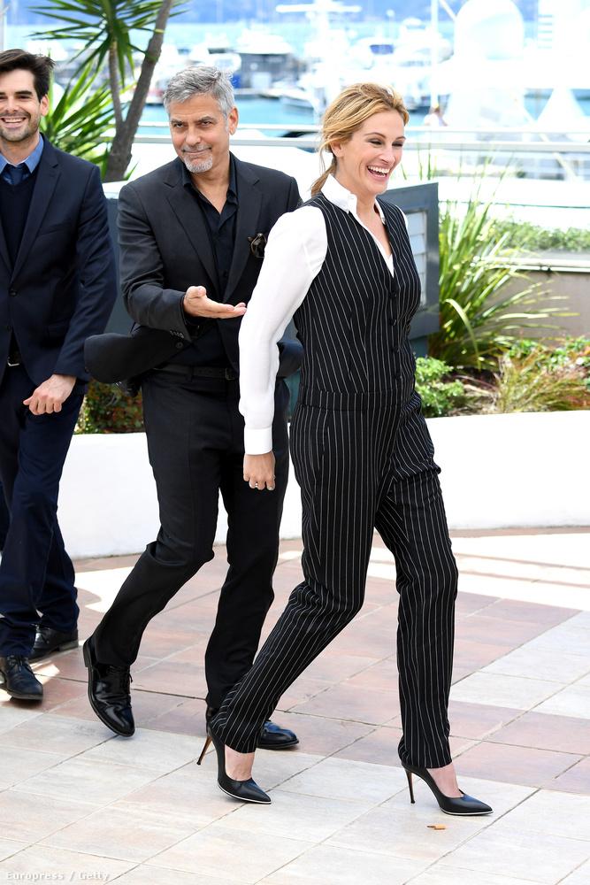 Clooney gyakorlatilag letolta a kolléganőjét a színről.                         Maga a film egyébként egy gazdasági tévéműsor vezetőjéről, illetve produceréről szól, akiknek egy dühös befektető keresztülhúzza a számításait.