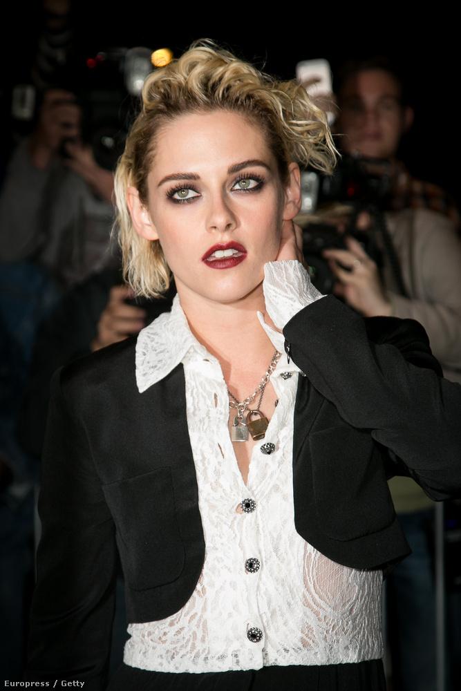 Persze csak elsőre, aztán biztos rájönnénk, hogy nem kell félni, meg ez csak Kristen Stewart, aki biztos jófej