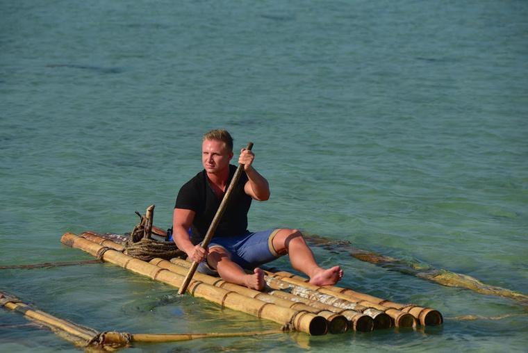 Bongin kívül egy másik pasi, Krisz is érkezik a szigetre