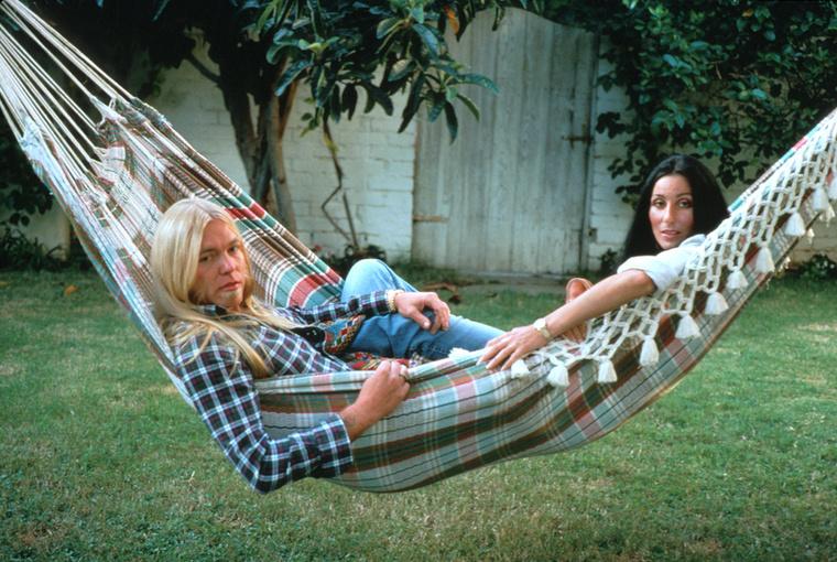 Cher Gregg Allmannal, aki az énekesnő férje volt a 70-es évek második felében.
