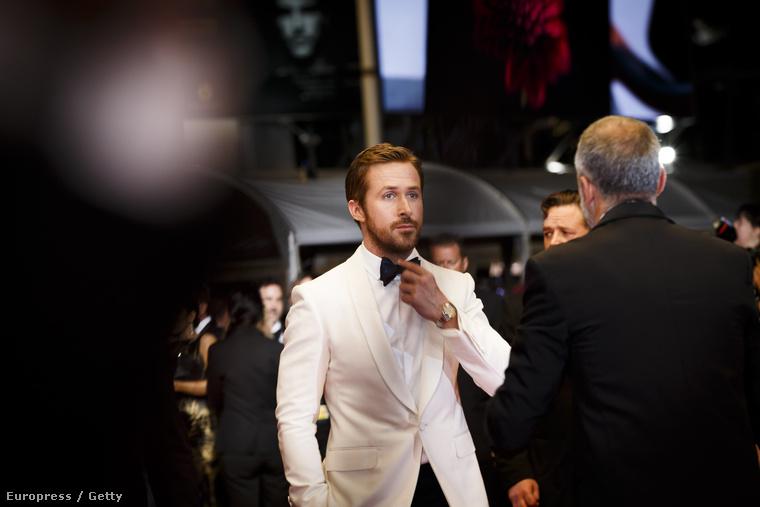 Új filmjét, a Rendes fickókat promózta a Cannes-i Filmfesztiválon Ryan Gosling.