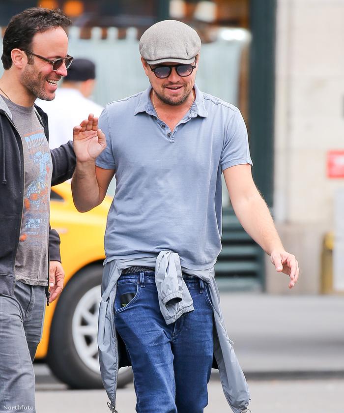 Ez akkor készült, amikor a színész és barátai New Yorkban sétálgattak, és megnéztek néhány nőt.Jól megfigyelték?
