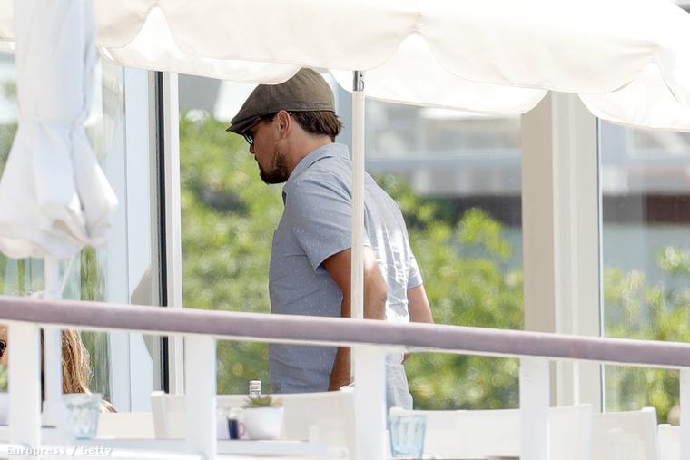 Leonardo DiCaprio volt olyan kedves, hogy alkalmazkodott az elvárásainkhoz, és maga is Cannes-ba utazott, a filmfesztiválra.