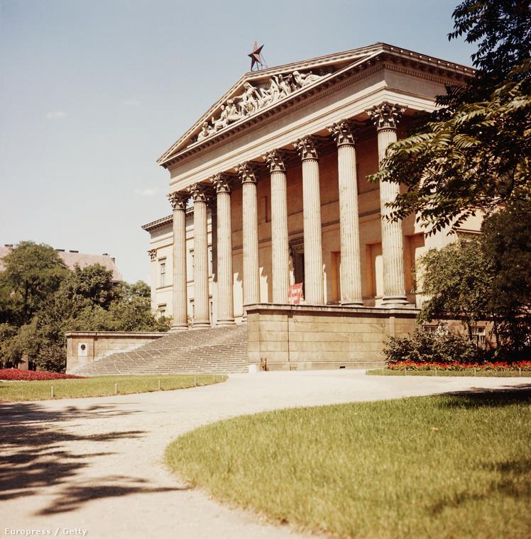 A Kiskörúton a Nemzeti Múzeum nem sokat változott