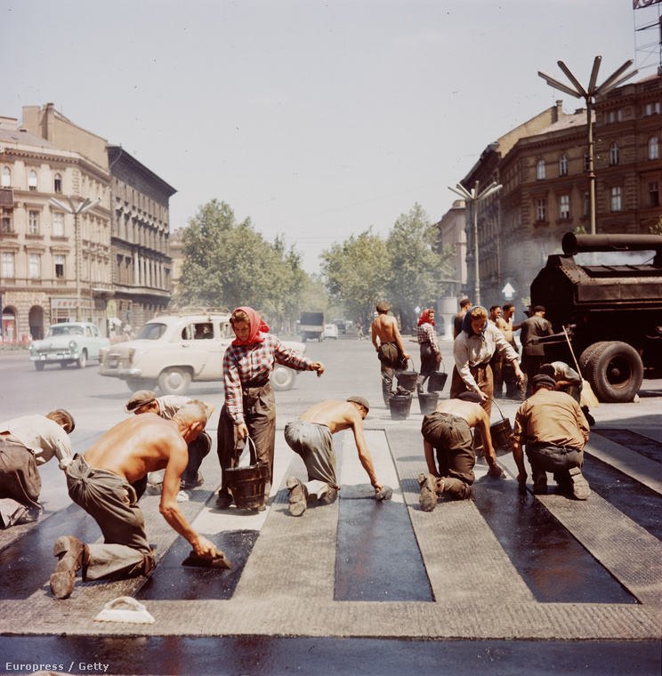 Újra az Oktogon, valamikor az ötvenes években