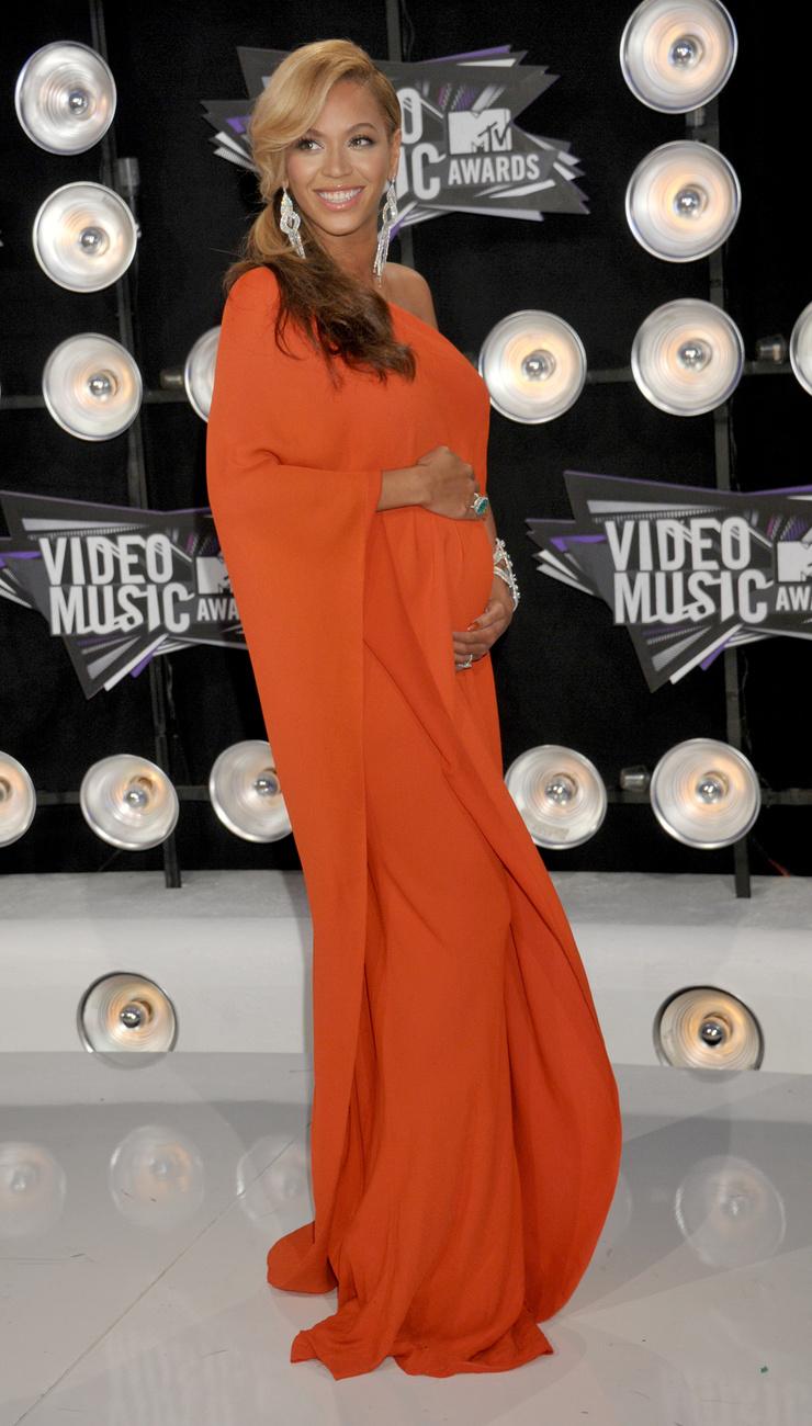 Beyoncéról rengetegszer pletykálták, hogy állapotos, aztán bumm, eljött 2011,