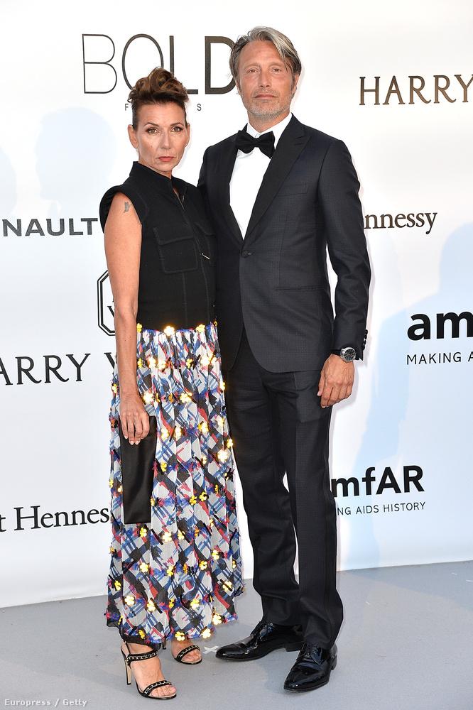 Mads Mikkelsen és felesége ezúttal is együtt jelentek meg.