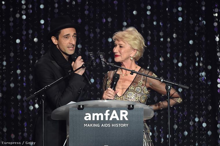 Adrien Brody és Helen Mirren pont úgy festettek, mintha egy céges karaokepartin duetteznének.