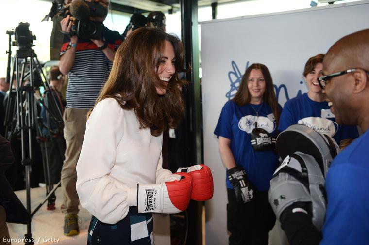 Katalin hercegné a londoni olimpiai parkba látogatott el, és megmutatta, hogyan bokszol.