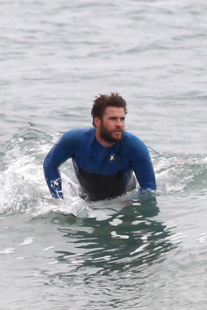Liam Hemsworth-nek nem okoz gondot az ilyesmi