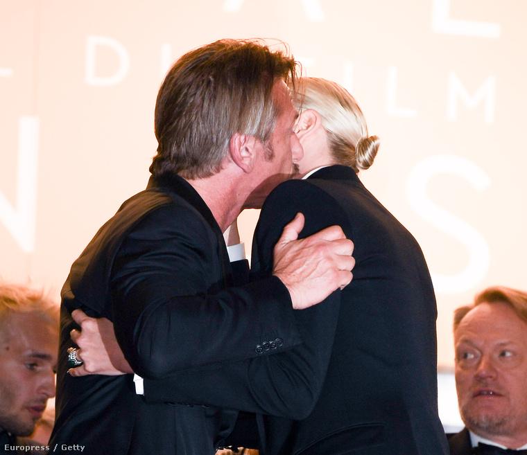 Sean Penn is üdvözölte exmenyasszonyát.
