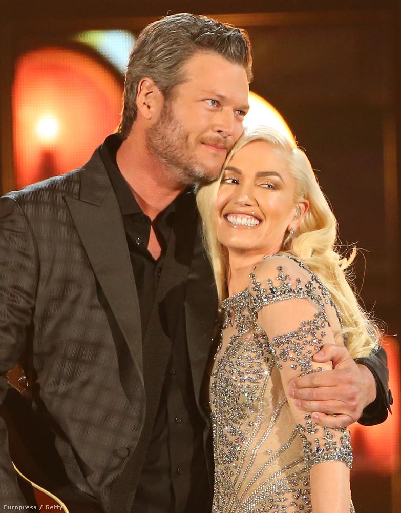 A pár együtt ment a május 22-ei Billboard Music Awardsra is, ahol ugyancsak sokszor tették nyilvánvalóvá, hogy nem élhetnek egymás nélkül,