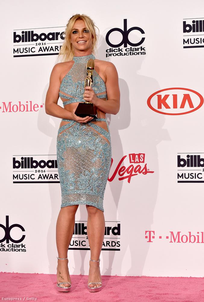 De most foglalkozzunk inkább a díjával, a Millennium Awarddal, amelyet előtte olyan rendkívüli előadók kaptak meg, mint Whitney Houston és Beyoncé