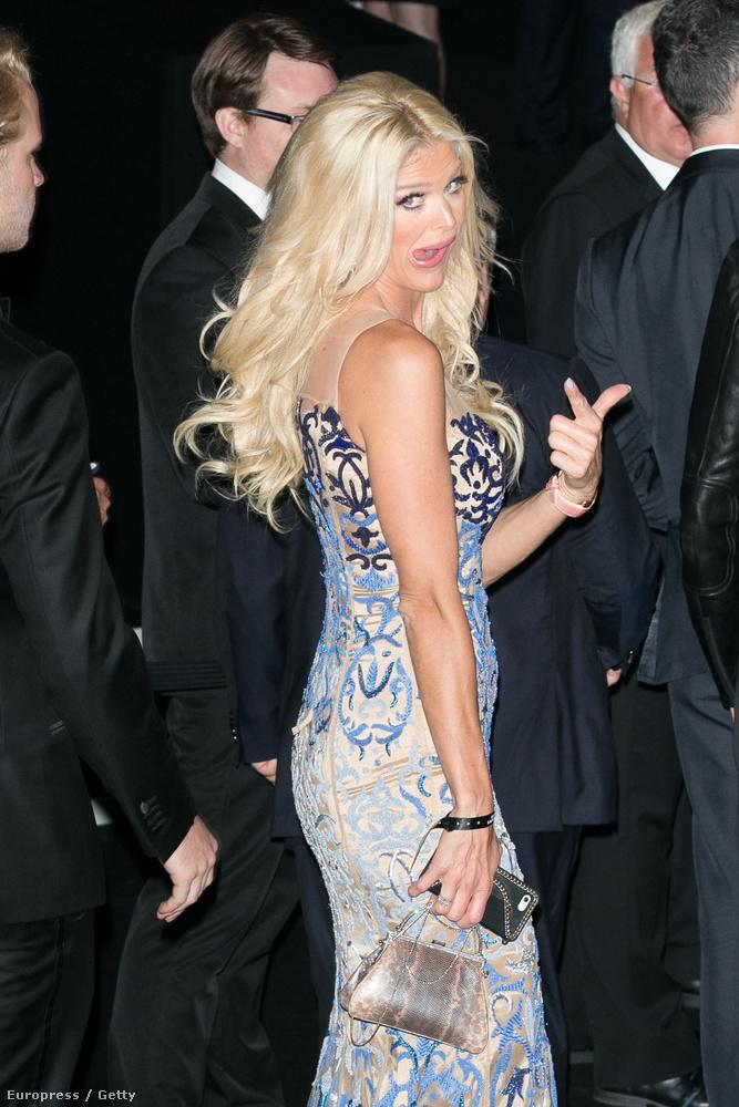 Képünkön Victoria Silvstedt, svéd modell-médiaszemélyiség-színész-énekesnő látható, aki így élte meg a pillanatot.