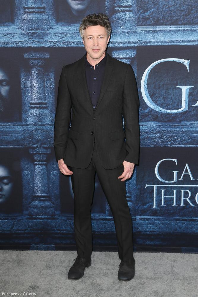 Aidan Gillen (Petyr Baelish) pedig még nála is magasabb: 178.