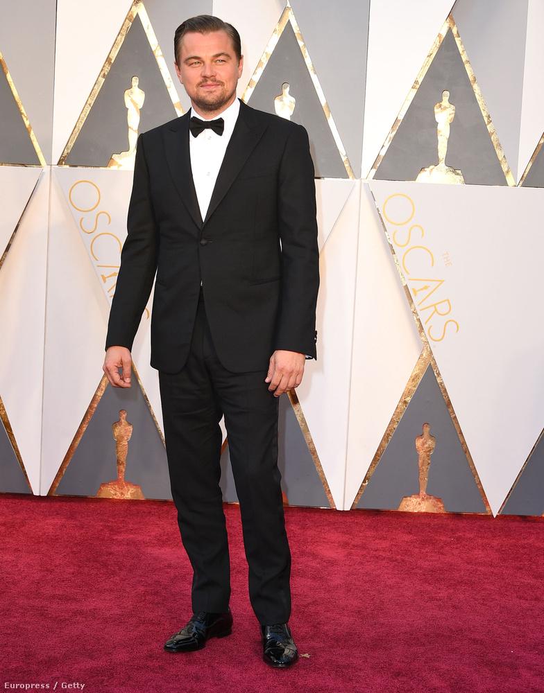 Kezdjük a férfiakkal! Talán még sosem járt utána, de Leonardo DiCaprio 183 centi magas.