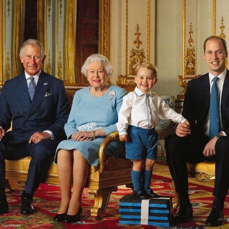 Mivel úgy véljük, hogy szívesen látnának róla néhány normális fotót is, most felidézzük, ahogy szintbe hozták erre a családi fotóra (balról jobbra Károly herceg, a nagypapa II
