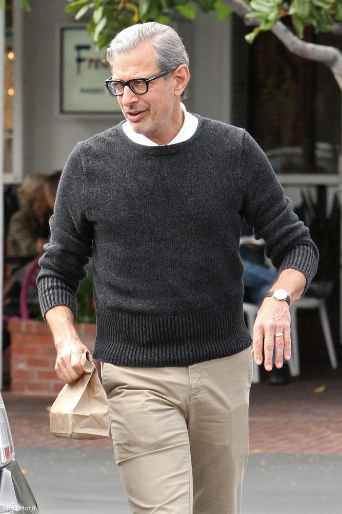 Jeff Goldblum és a sárm.