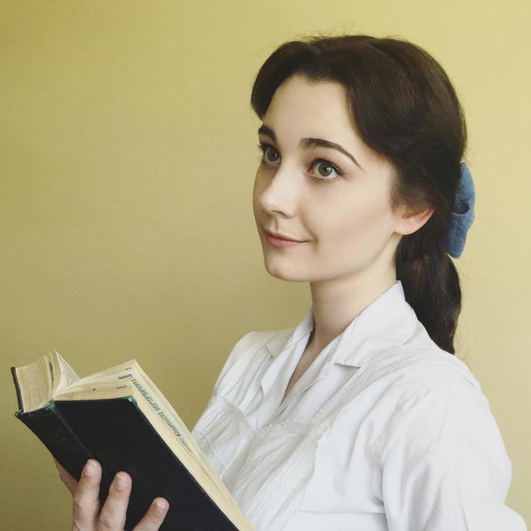 ...vagy Belle A szépség és a szörnyetegből.