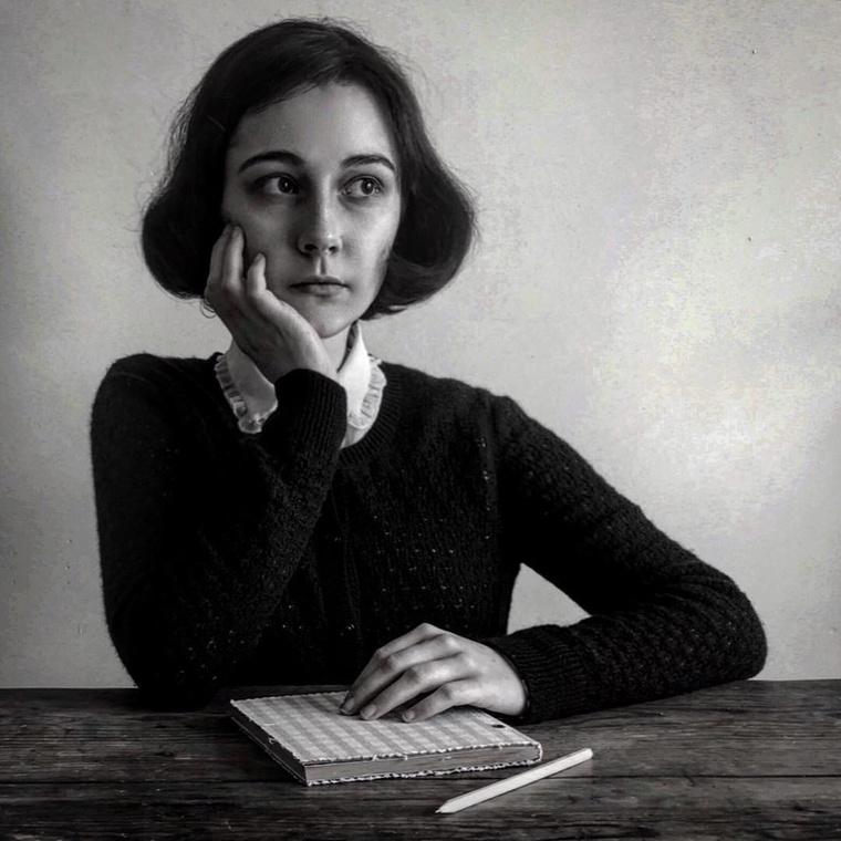 Anne Frankot is tökéletesen leutánozta.