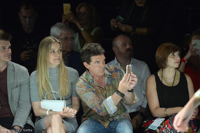 Nem, valószínűleg nem Ábel Anita ül a színész mellett