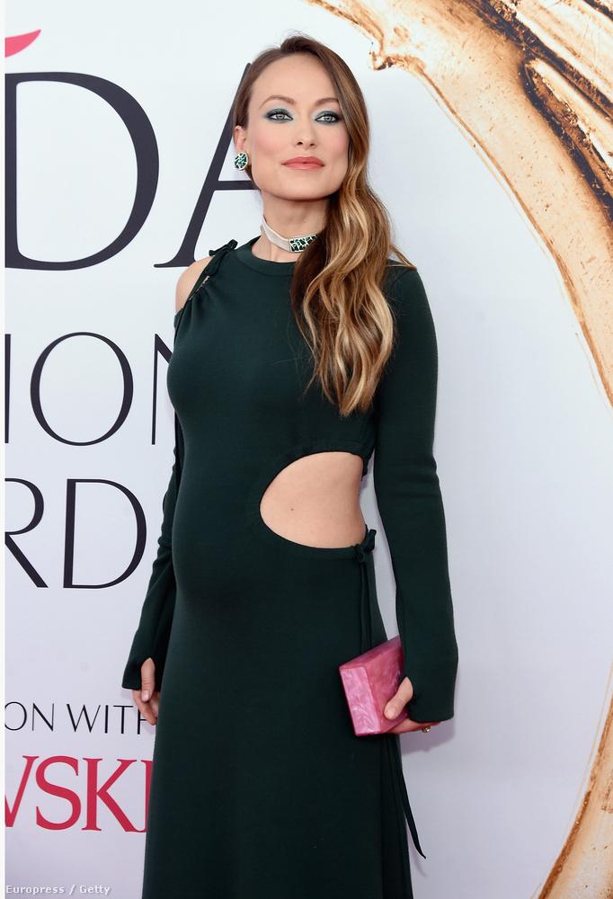Olivia Wilde egy közepesen érdekes divat-eseményre, a CFDA-díjátadóra ment el