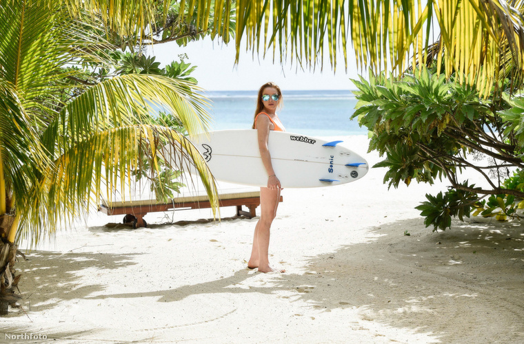Gyanúsan közeli fotók készültek a Mauritiuson nyaraló Lindsay Lohanről és annak új, orosz milliárdos pasijáról.