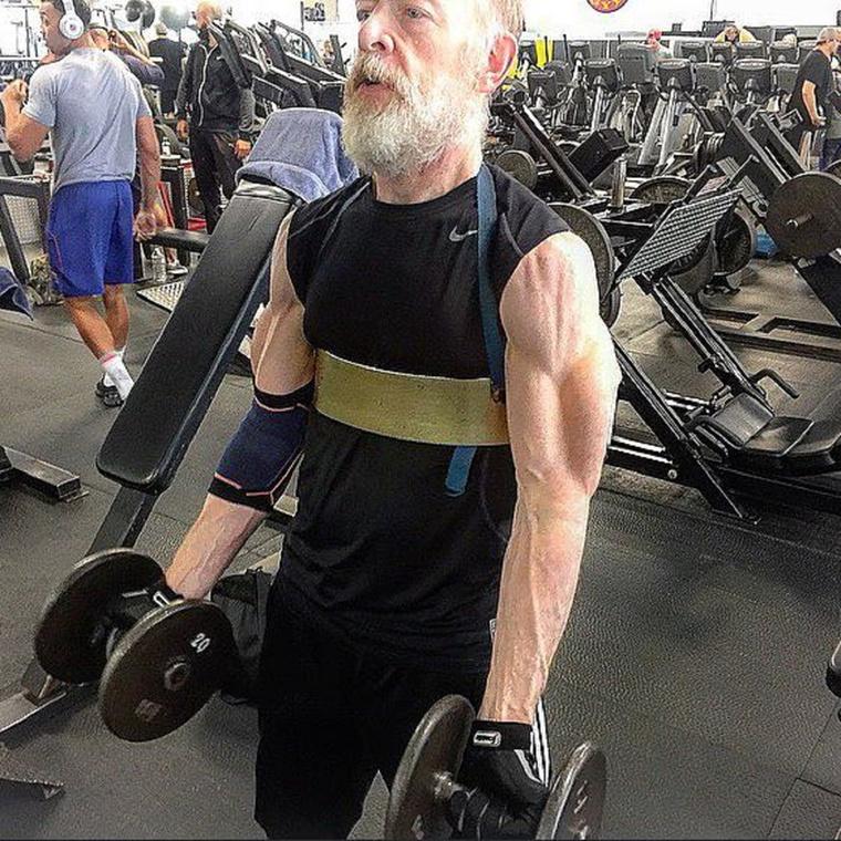 És egy-két bicepsz