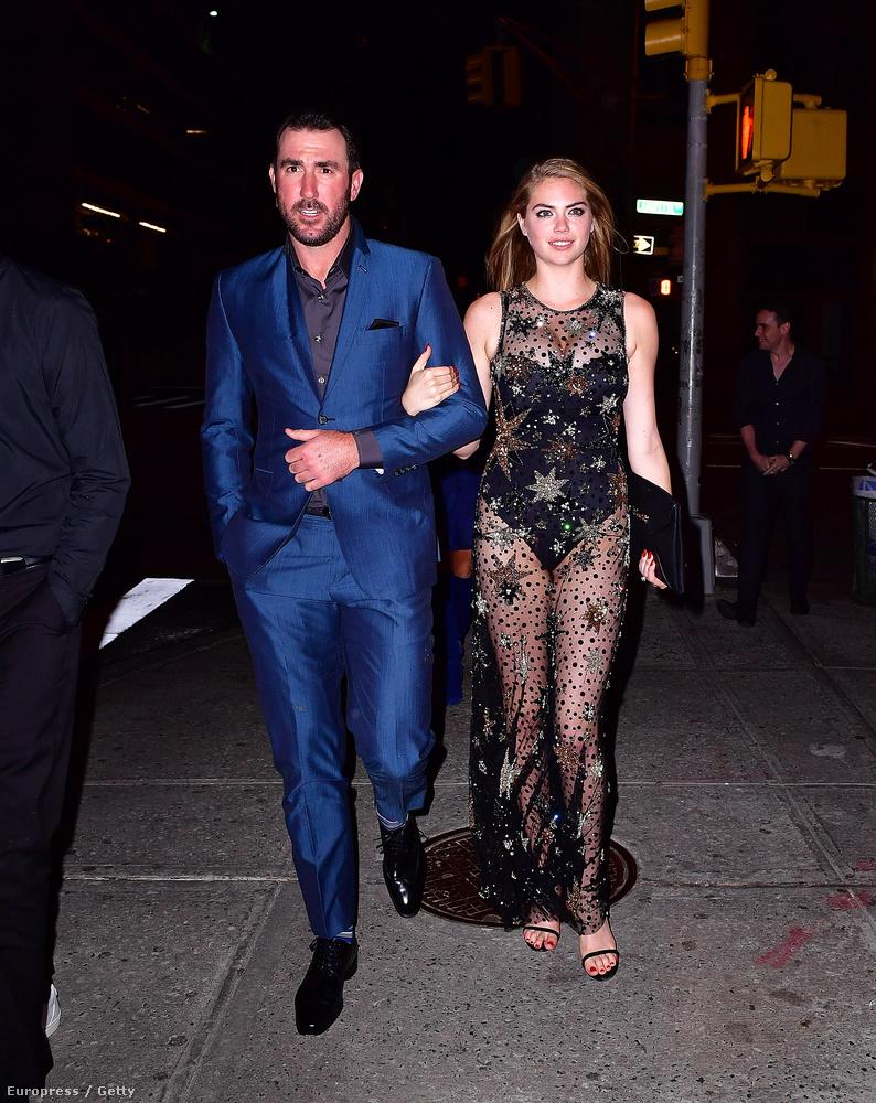 A modell Kate Upton vőlegényével, a baseballjátékos Justin Verlanderrel ünnepelte születésnapját egy New York-i klubban.