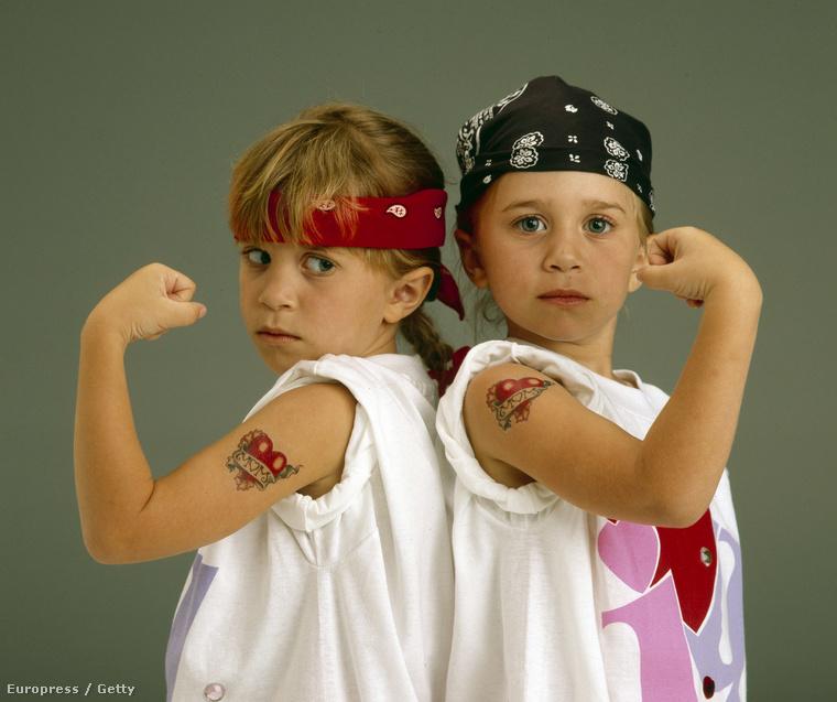 Az ikrek annyira sikeresek voltak, hogy a Mattel 2000-től egészen 2005-ig Mary-Kate és Ashley divatbabás készletet dobott piacra.