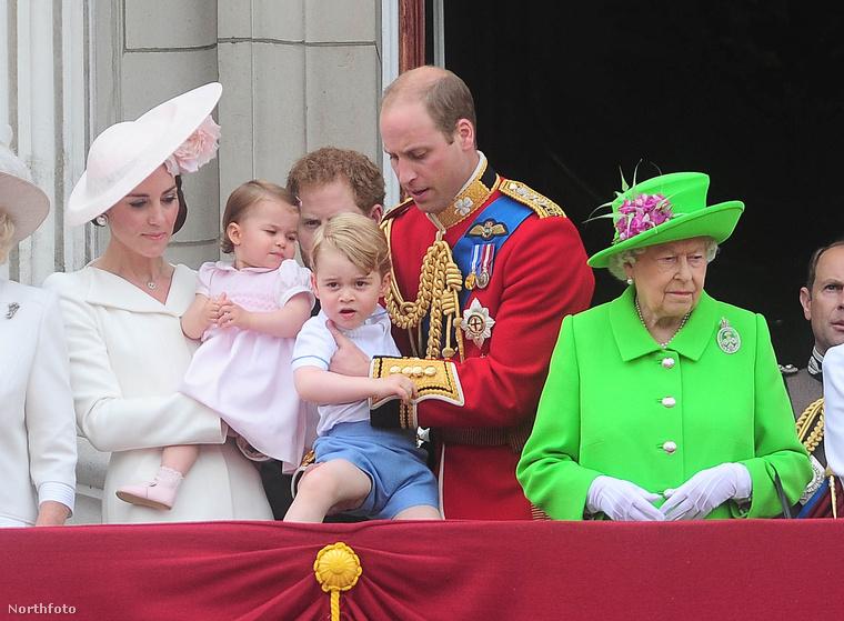 Természetesen a legjobb helyekért még a hercegeknek is meg kell küzdeniük...