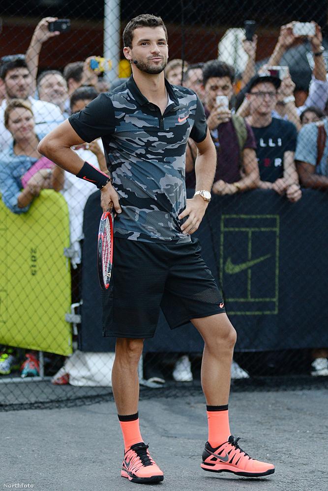 Méghozzá bolgár, és 25 éves, vagyis 12 évvel fiatalabb Scherzingernél.