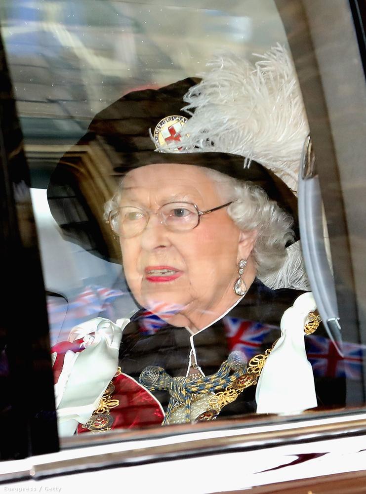 Az ünnepségen nyilván a királynő is résztvett, aki most ünnepelte 90