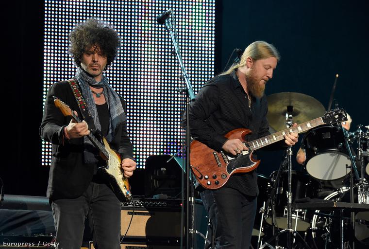 Ezen a fotón pedig Eric Clapton 70
