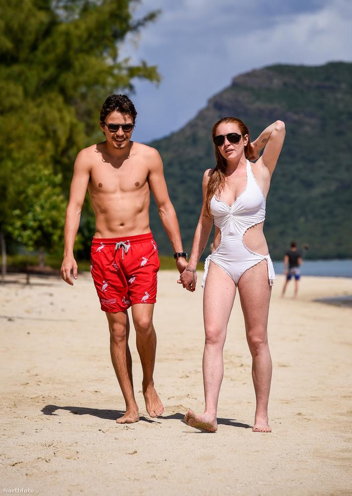 Az egy dolog, hogy Lindsay Lohan és milliárdos pasija akkor is odavannak egymásért, amikor nem tudják, hogy fotózzák őket, de ilyen pillanatok ritkán akadnak