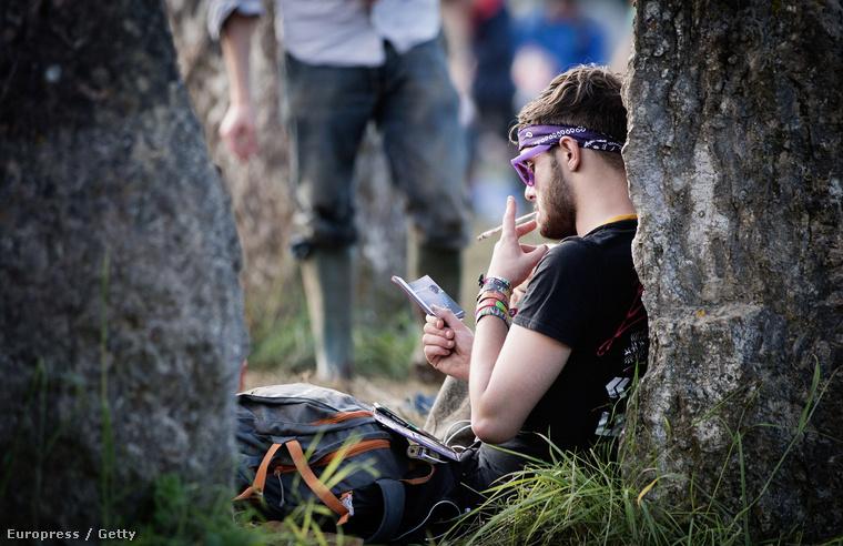 Glastonbury hangulatában egy kicsit hasonlít az egykori Woodstockra.