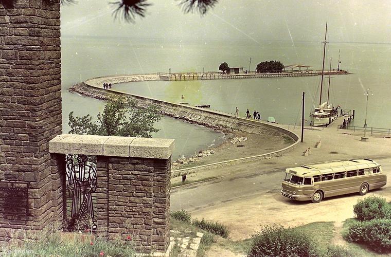 A tihanyi hajóállomás legalább olyannyira a település szerves része, mint az apátság