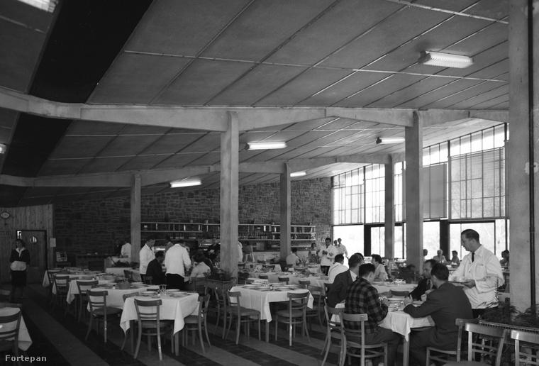 A Motel nevű étterem belülről, 1959-ből